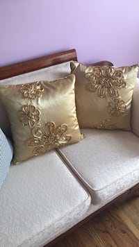 two brown and white throw pillows Ashburn, 20148