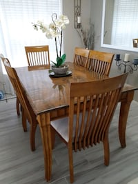 Dining  room  table real wood  6 chairs Clermont, 34714
