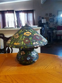 Ttiffany table lamp