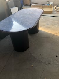 Table used trying to get rid of it  Anaheim, 92802