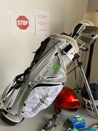 Kids golf clubs/ bag - right handed  Hagerstown