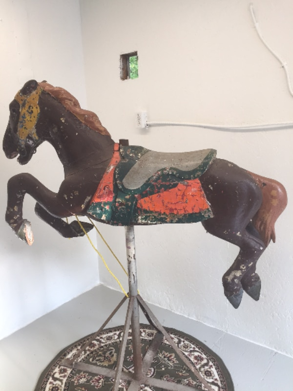 Early 1900s CAROUSEL HORSE - Alan Herschell - Wood - Park Paint, brown 1