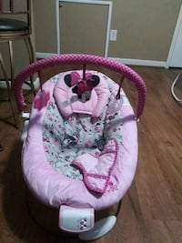 baby's pink and white bouncer 23 km