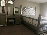 2pc Queen Bed w/ Vanity set • Apply from your ????