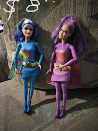 two assorted girl dolls Anthony, 88021
