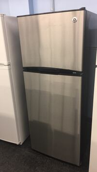 black and gray top mount refrigerator Toronto, M3J 3K7