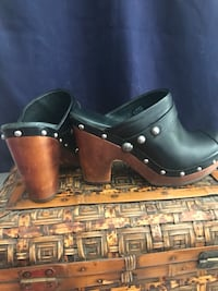 Uggs Leather/ Shearling Clogs