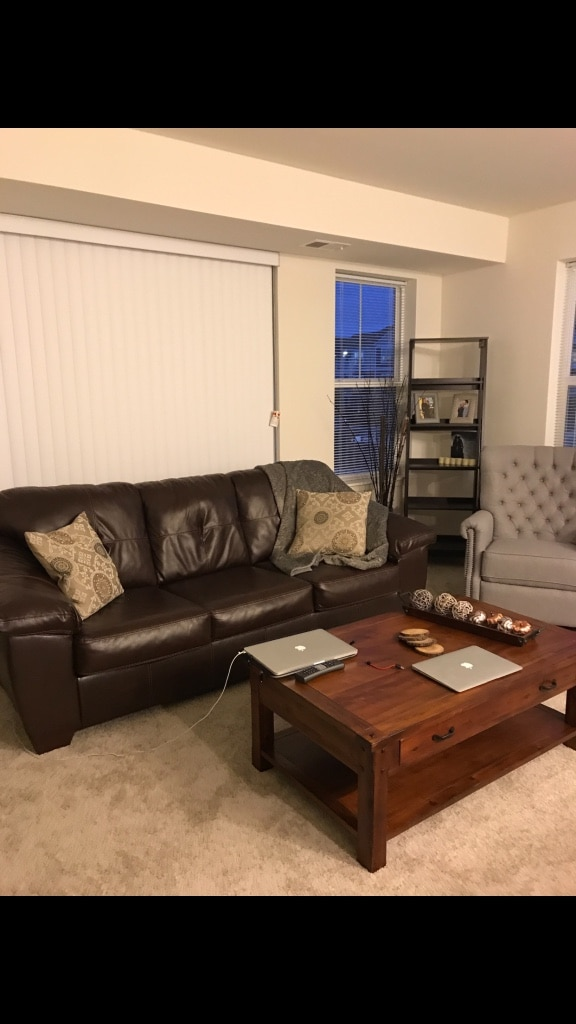 brukt brown leather couch from ashley furniture less than 3 years rh no letgo com