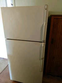 white top-mount refrigerator Clinton, 20735