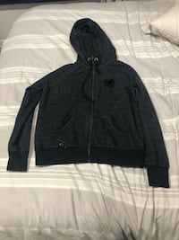 Authentic Roots Sweater XL  $60 Toronto, M2R 3B8