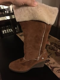 UGG WEDGE BOOTS SIZE 9 Genoa City, 53128
