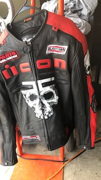 Black and red harley-davidson leather jacket Fort Mitchell, 36856