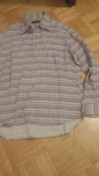 gray and white stripe button-up shirt Montréal, H3T 1Y4