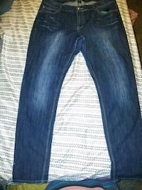 blue-washed whiskered jeans Sumter, 29150