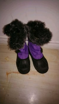 Snow boots size 3 London, N6H 0B2