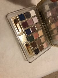 Eye shadow plate 18 colors Estée Lauder  Toronto, M4A 2N8