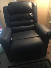 Blue Leather Lift Chair 375 mi