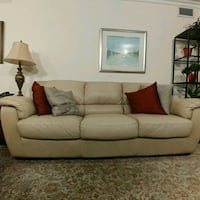 Leather couch Vaughan, L4L 2S7