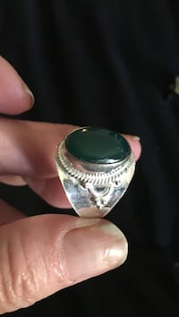 New sterling green onyx size 8 ring Virginia Beach, 23451