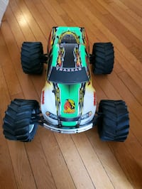 Brand New. Traxxus Nitro Truck never used