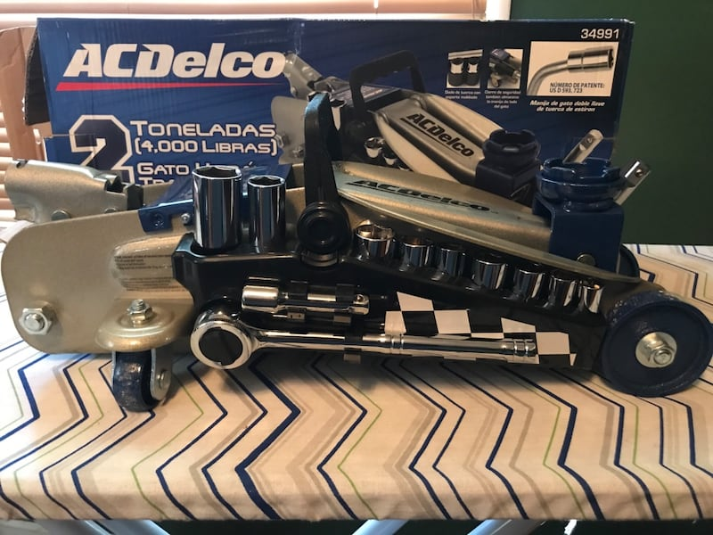 Used 2 Ton Acdelco Floor Jack With Detachable Socket Set For Sale