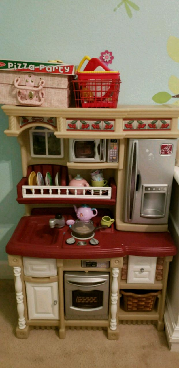 used red and white kitchen playset for sale in concord letgo rh us letgo com