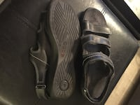 Sz 8 - Ecco Blk Leather Sandals Toronto, M5A 0C4