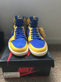 pair of blue-and-yellow Nike basketball shoes Woodbridge, 22191