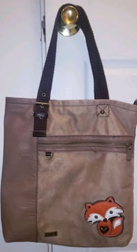 CHALA Large Fox Zip-Tote Bangor, 04401