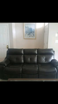 Good condition leather sofa and love seat  Centreville