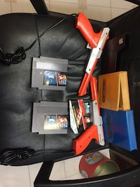 Mario bros/duck hunt with zappers and a case