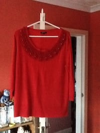 """Ladies Red 3/4 Sleeved Top """"size 18"""" Mansfield, NG19 9HD"""
