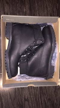 Leather timberlands  Brampton, L7A 2B4