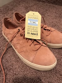 Brand New Women's TOMS Pink Lace Ups - Size 8.5 Edmonton
