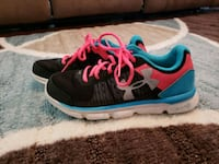 Under Armour size 5.5 youth Dixon, 65459