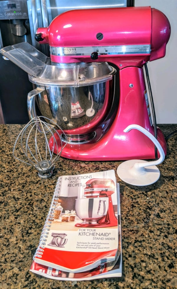 Kitchen Aid Deluxe Edition  Mixer. 4