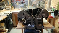 Riddel football shoulder pads Brantford, N3T