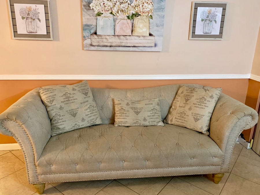 used high end quality 7 3 seater sofa for sale in west kendall letgo rh tr letgo com