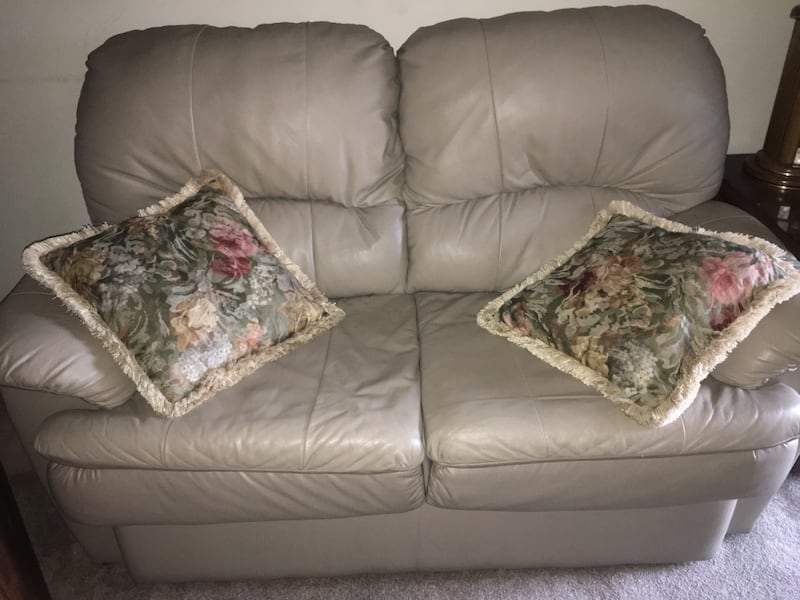MUST GO! Beige pleather sofa - Good condition- smoke free home 0