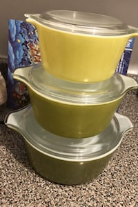 Set of 3 Vintage Pyrex Casseroles with Clear Glass Lids Toronto, M4J