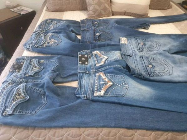 good clothes dress 20 sweatsuit 25 Jean's 25 each 8b7f7426-91d6-4d7b-82e0-d47124126265