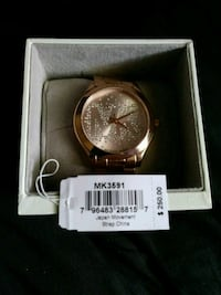 Michael Kors watch 832 mi