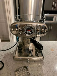NEW ILLY COFFEE MACHINE