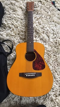 brown and black acoustic guitar Arlington, 22207