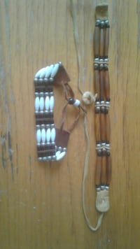 Native American necklace choker and wristband made of leather Greenbelt
