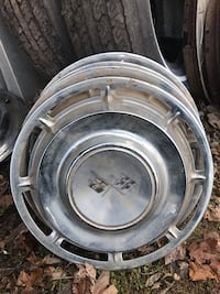 Vintage Hubcaps - Various Makes