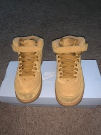 Size 12 kids pick up only District Heights, 20747