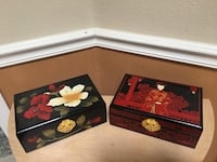 Two jewelry boxes excellent condition California City, 93505