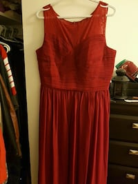 Red dress 792 km