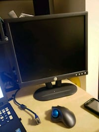 """Dell 19"""" monitor with VGA cable Silver Spring, 20904"""